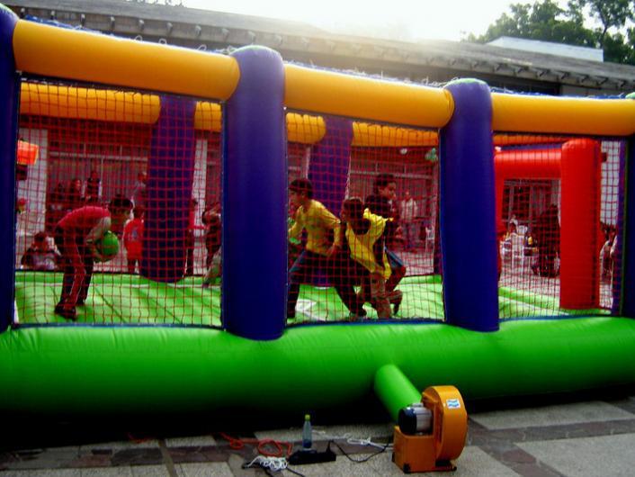 Juegos Inflables Tobogan Acuatico Gigante Y Cancha De Futbol