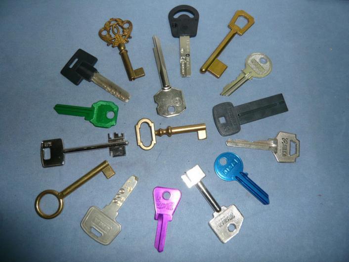Mmt cerrajeria en concepci n tel fono y m s info for Tipos de llaves para duchas